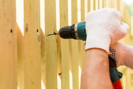 Plan Your Pittsburgh Spring Fence